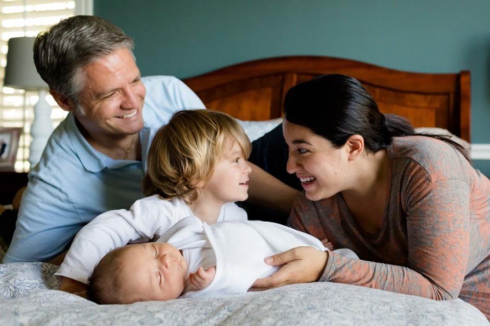 Terapia dzieci adoptowanych i wsparcie rodziców w budowaniu więzi